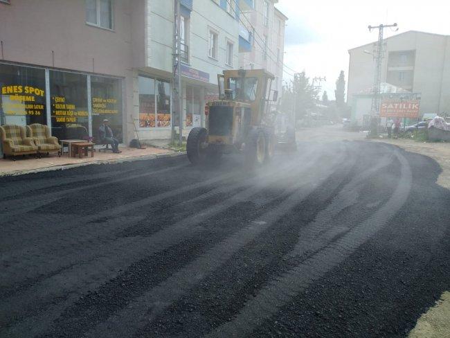 2020/07/1594105063_kars-belediyesi-asfalt-ve-yama-calismalarina-yogunlasti-(6).jpg