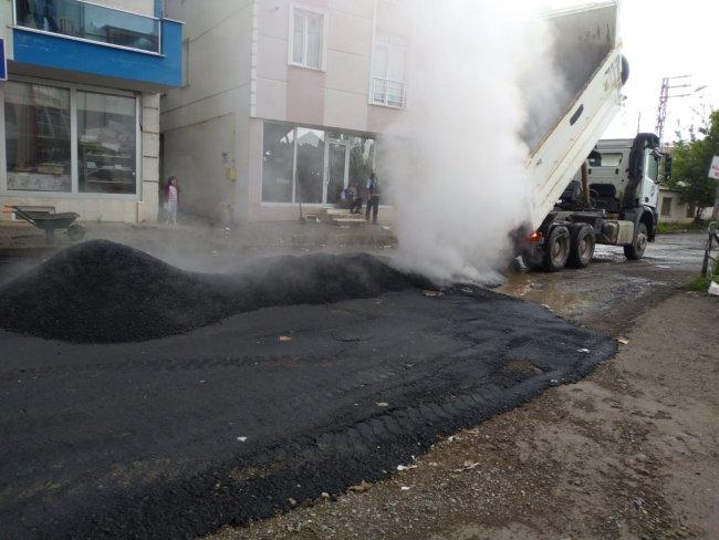 2020/07/1594105064_kars-belediyesi-asfalt-ve-yama-calismalarina-yogunlasti-(12).jpg