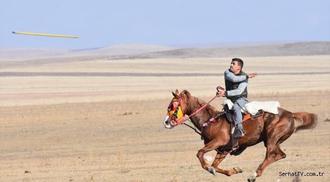 Ciritçiler dostluk maçlarıyla atlarını kışa hazırlıyor