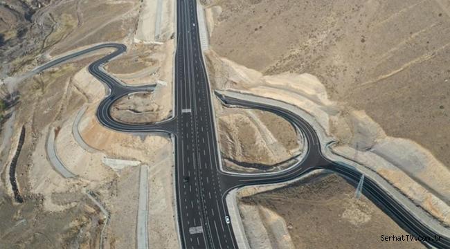 Kars-Erzurum kara yolunun bir kısmı ulaşıma açıldı