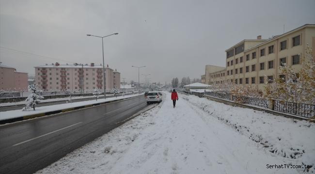 Sarıkamış'ta kar ve soğuk etkili oldu