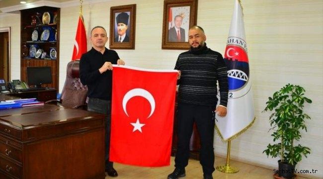 Türk tarihini ve kültürünü tanıtmak için pedal çeviren gurbetçi Ardahan'a geldi