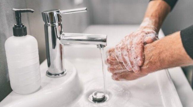 Uzmanından uyarı! 'Dezenfektanı, su ve sabuna erişemediğinizde kullanın'