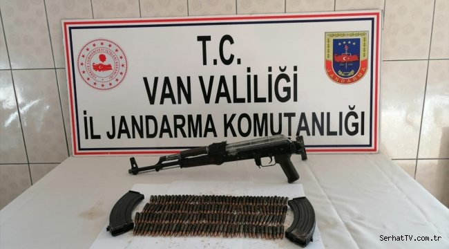 Van'da PKK'lı teröristlere ait silah ve mermi ele geçirildi