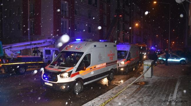 Kars'ta 6 katlı binada çıkan yangın korkuttu