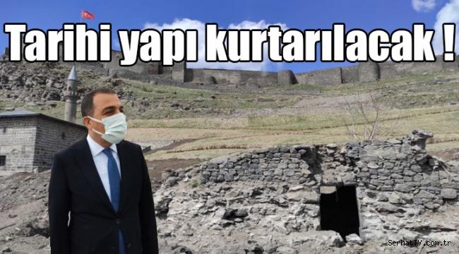 Tarihi yapı kurtarılacak !