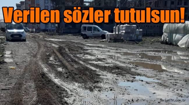 Vatandaşlar Kars belediyesini bekliyor