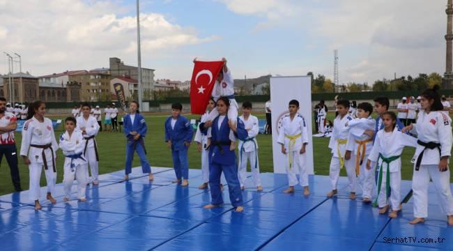 Kars'ta spor haftası etkinlikleri başladı