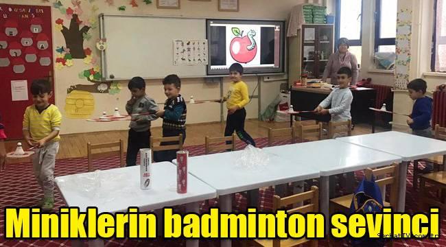 Miniklerin badminton sevinci