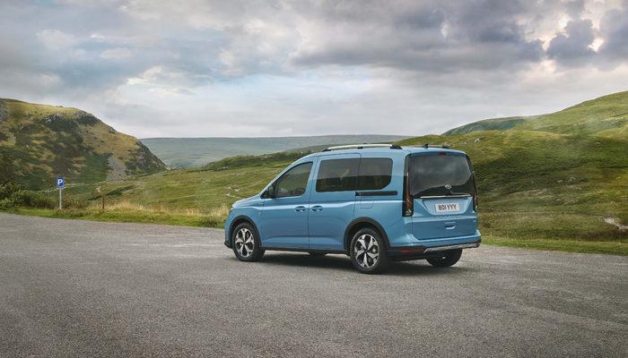 Volkswagen Caddy'nin ikizi gibi: Yeni Ford Tourneo Connect tanıtıldı!
