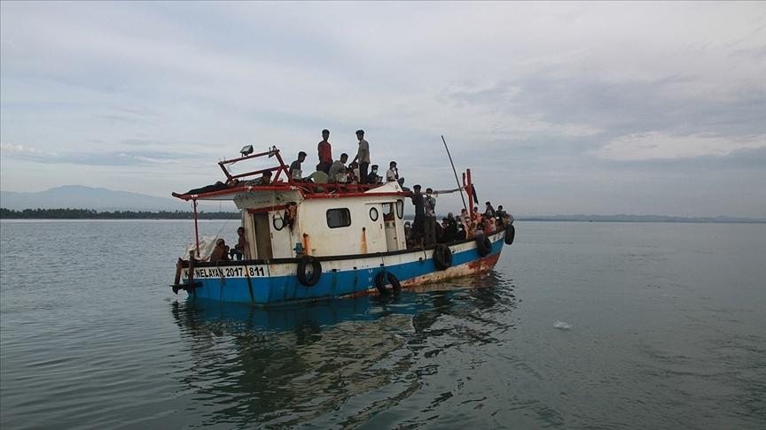 Bangladeş'in Myanmar sınırındaki ırmaktan 3 Arakanlı Müslüman'ın cesetleri çıkarıldı