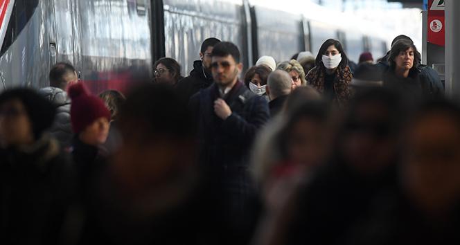İtalya'da akıbet 24 saatte bin 723 yeni vaka